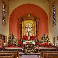 St. Gregory Church in San Mateo, CA at Christmas, Сан-Матео