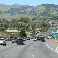 Heading North on US 101N, Сан-Рафель