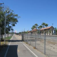 Bike path adjacent to Sylmar/San Fernando Metrolink Station, Сан-Фернандо