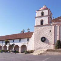 Santa Barbara Mission facade, Санта-Барбара