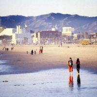 Santa Monica Beach Clear Winter Day Stroll (R), Санта-Моника