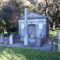 St. Mary Magdalene Cemetery, Fulkerson Tomb, Санта-Роза