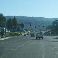 Highway in Oakhurst, Саус-Модесто