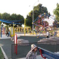 SOUTH GATE PARK/playground, Саут-Гейт