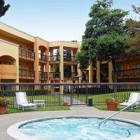 Comfort Inn & Suites San Francisco Airport - Outdoor Pool, Саут-Сан-Франциско