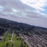 Take off 28R KSFO, Golden Gate National Cementry, San Bruno, Kalifornien, Vereinigte Staaten, Саут-Сан-Франциско