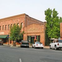 Viewing south-west at the Brick Coffee House Cafe, 316 D St., Marysville, California, Саут-Юба