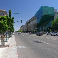 Looking east towards the intersection of E Weber Ave & N San Joaquin St, 5/2013, Стоктон
