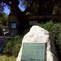 Trailhead for Mt Wilson Trail, Сьерра-Мадре
