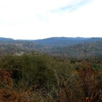 Looking down on Oakhurst, Укия