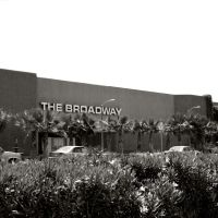 The Broadway, Hawthone Plaza Shopping Center, Hawthorne, California (2010-06-27), Хавторн