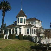 HB Newland House #4, Хантингтон-Бич