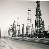 California Oil Wells, 1955, Хантингтон-Бич