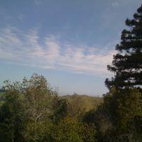 A clear, blue sky over Wildcat Canyon., Эль-Серрито