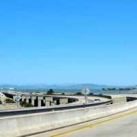 Approaching Oakland Bay Bridge, Emeryville Marina ahead on right., Эмеривилл
