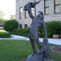 The Offering, Native American with cow skull and hide, life-size bronze, Junction City, KS, Джанкшин-Сити
