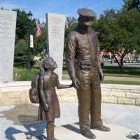 Junction City Geary County Law Enforcement Memorial, life-size bronze, Junction City, KS, Джанкшин-Сити