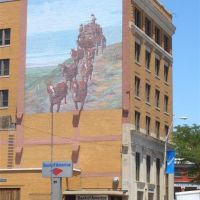 Stan Herd stagecoach mural, Dodge City, KS, Додж-Сити