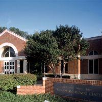 Wichita State U. -- Woodman Alumni Center, Кечи