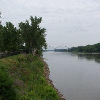 Missouri River at Leavenworth, looking north, May 2006, Ливенворт