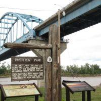 Centennial Bridge across the Missouri River, Leavenworth, KS, Ливенворт