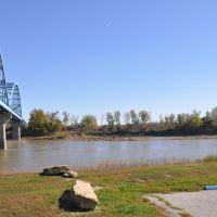 Bridge in Leavenworth. KS crossing the Missouri river, Ливенворт