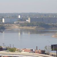 Kaw Point, Kansas City, KS (point where Kansas river flows into Missouri river) October 2005, Taken from Case Park, Kansas City,MO, Манхаттан