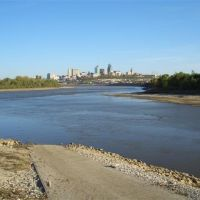 Kaw Point boat ramp,Kaw River into Missouri,downtown Kansas City, MO, Миссион