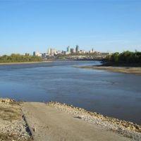 Kaw Point boat ramp,Kaw River into Missouri,downtown Kansas City, MO, Обурн