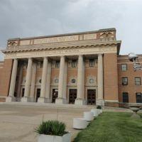 Memorial Hall, Kansas City, KS, Обурн