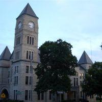 limestone courthouse, designed by George P Washburn, Atchison, KS, Овербрук
