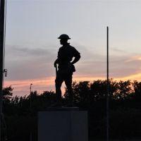 World War I bronze soldier against sunset, Olathe Memorial Cemetary, Olathe, KS, Овербрук