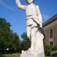 WWI doughboy life-size statue, Parsons, KS, Парсонс