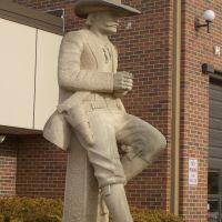 The Lawman, Pete Felten limestone sculpture,City Hall, Hays,KS, Хэйс