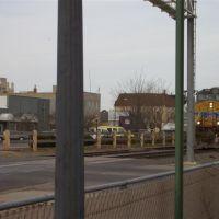 train thru downtown;Hays,KS, Хэйс