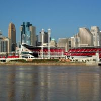 The Cincinnati skyline from Covington, Kentucky, Ковингтон