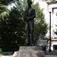 Lincoln Portrait Statue, Main Library Grounds, 4th and York Streets, Louisville, Kentucky, Лоуисвилл