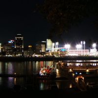 Cinci at night, 10 sec later the stadium set off fireworks... bad timing :(, Ньюпорт