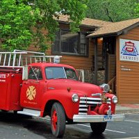Insurance Agent with his own Fire Truck, Боулдер