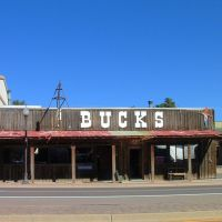 Bucks, Old West Retail, Вудленд-Парк