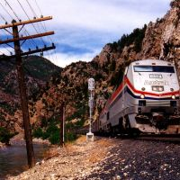 Amtrak entering Glenwood Springs, CO, Гленвуд-Спрингс