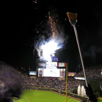2007 - October 16th - 05:40Z - NLCS Game 4 - Rockies win!  Sweep!!, Денвер