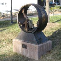 Art outside the Bemis Library, Литтлетон
