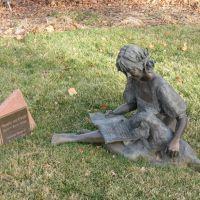 Statue in Hudson Gardens, Литтлетон