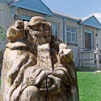 wise old wood sculpture in Wheat Ridge, Эджуотер
