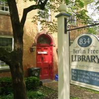 Berlin Free Library in Berlin, CT, Кенсингтон