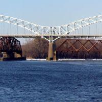 Arrigoni Bridge, a view from Harbor park, Миддлетаун