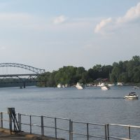 Connecticut River in Middletown, Миддлетаун