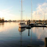 milford boat at dock, Милфорд