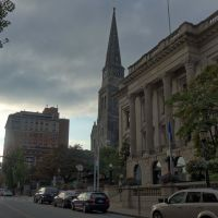 City Hall and First Congregational Church in New London, CT, Нью-Лондон